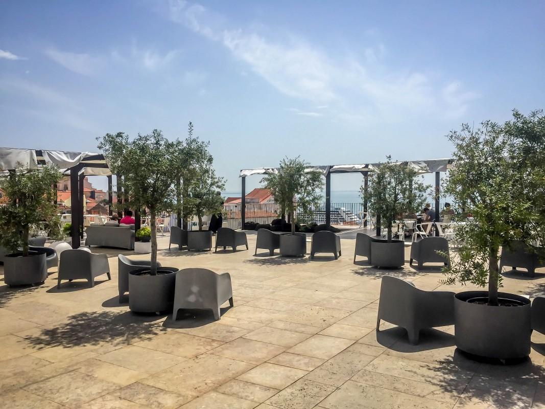 Portas do Sol bar in Lisbon