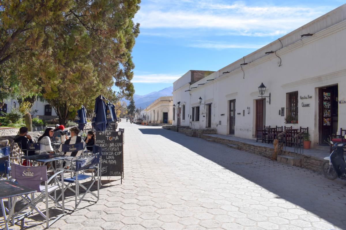 Cachi main square Resto bar Oliver in Argentina