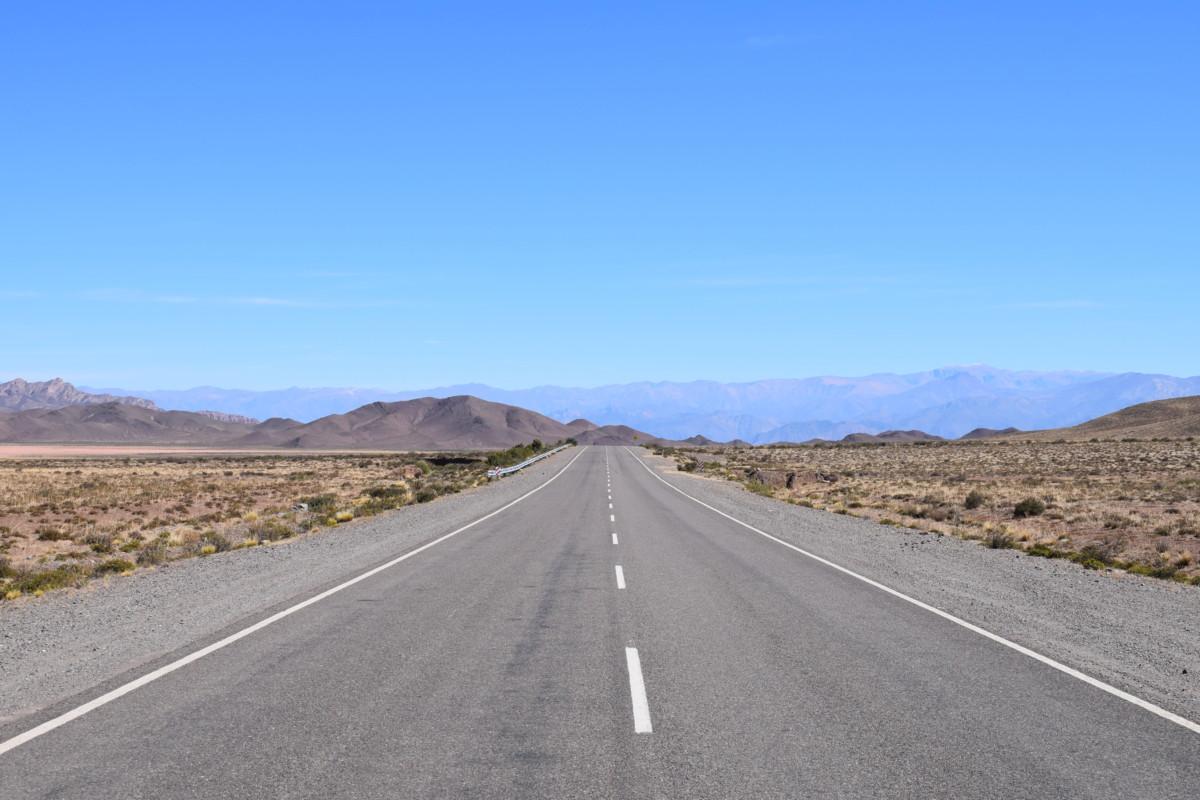 Tin Tin Line straight road Cachi Argentina
