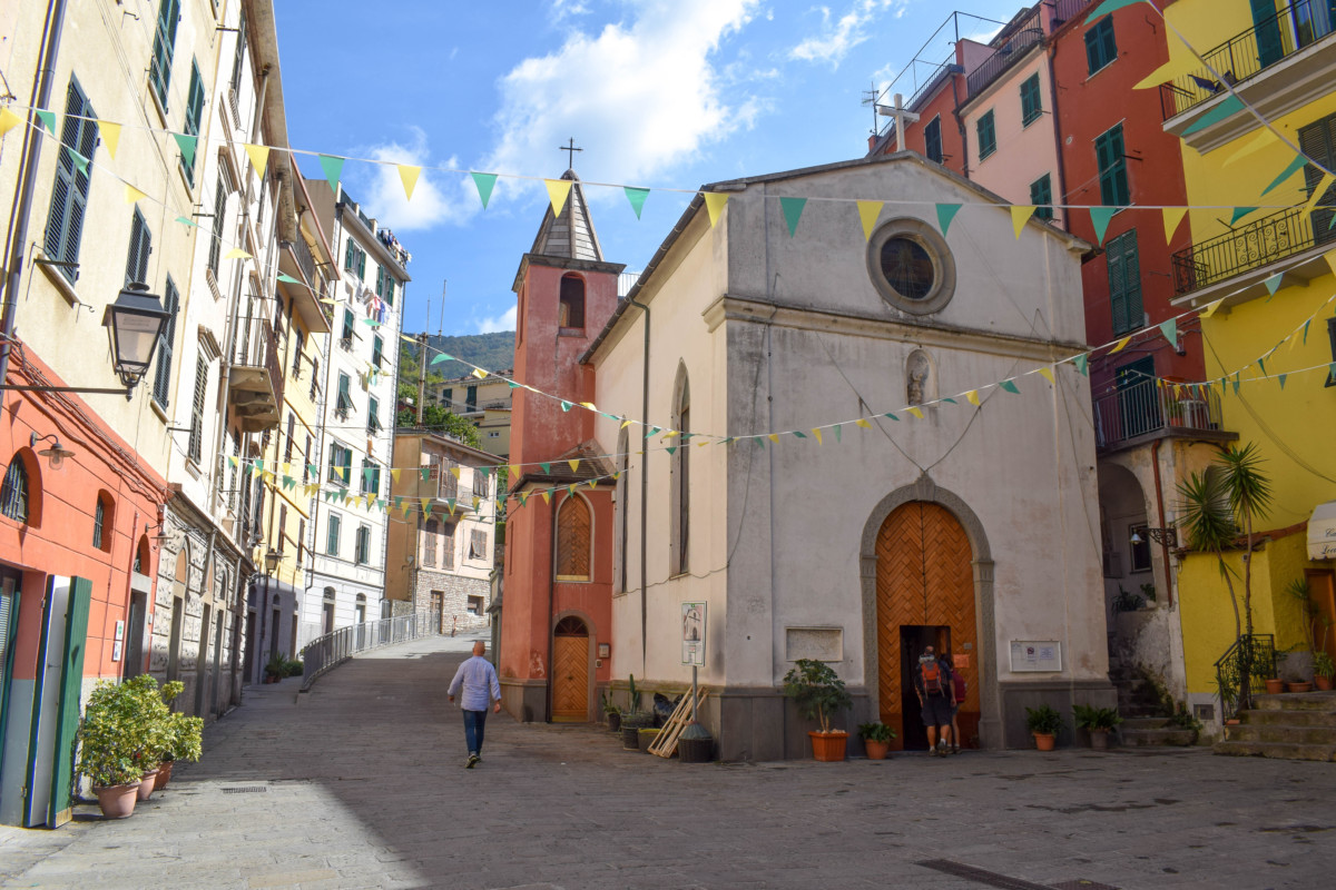 Riomaggiore streets Cinque Terre Italy-2
