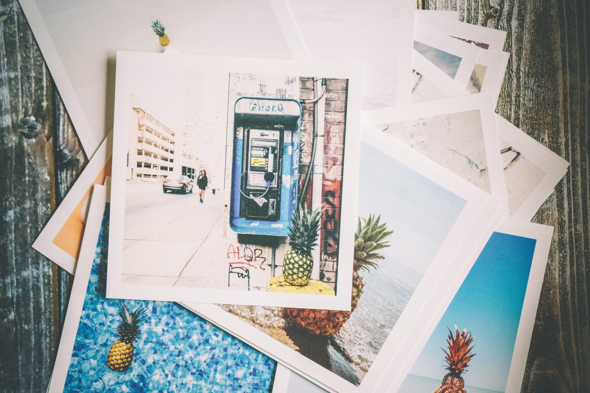 Travel photo gallery wall Photo by Pineapple Supply Co. from Pexels
