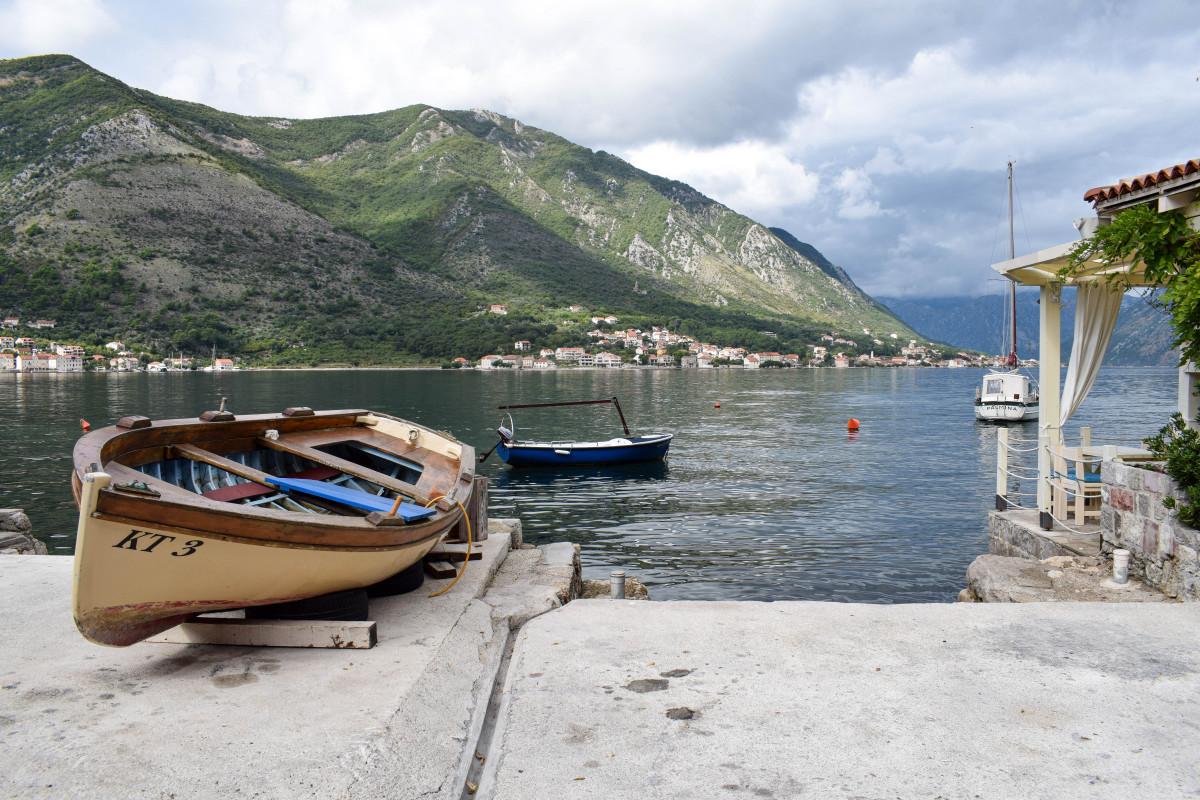 Rowing boat Dobrota Kotor Bay